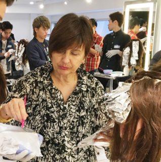 【東京/大阪】ジーナ・カーンの直接指導で学ぶシンプルカラーデザイン提案